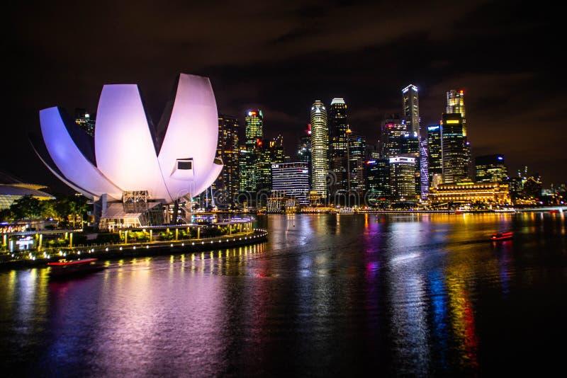 Sabbie alla notte, Singapore della baia del porticciolo fotografia stock