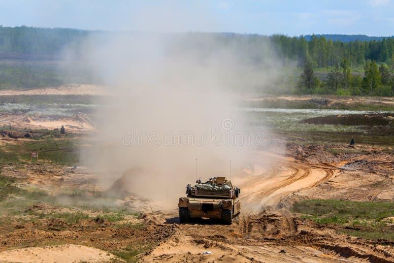 Saber Strike-militärische Ausbildung in der Müllgrube in Lettland stockfotografie