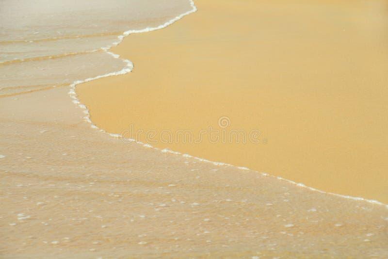 Download Sable et onde image stock. Image du sable, exotique, mousse - 77159963