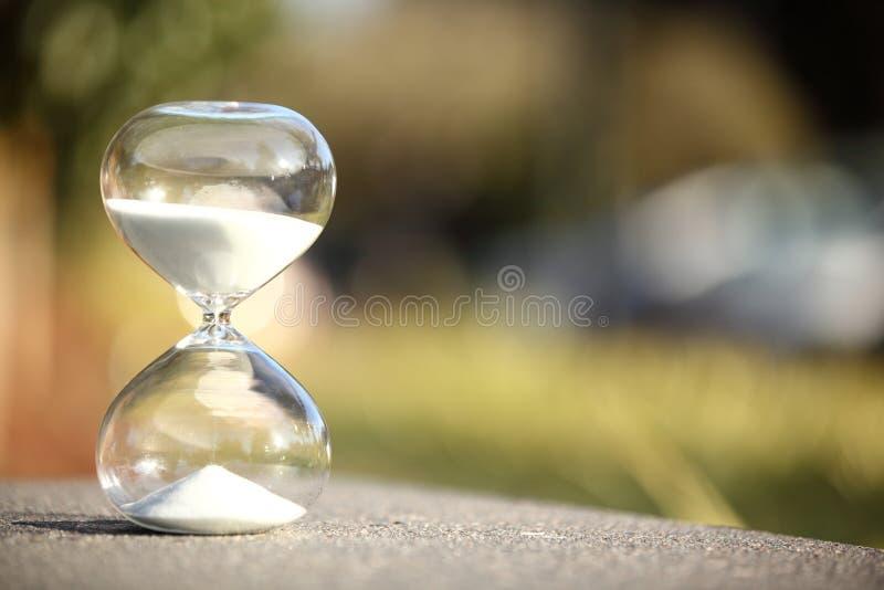 Sablier moderne Symbole de temps countdown photo stock