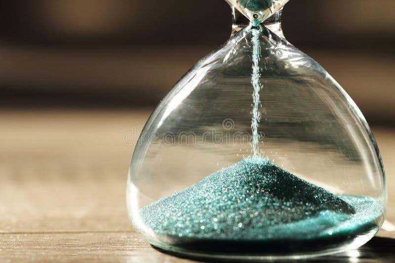 Sablier moderne Symbole de temps countdown images stock