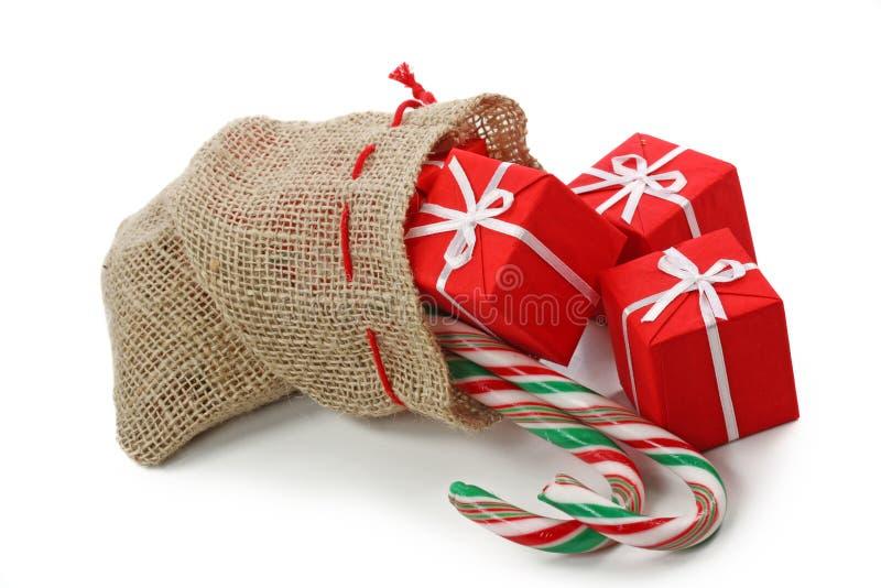 sac à cadeaux de Noël images stock