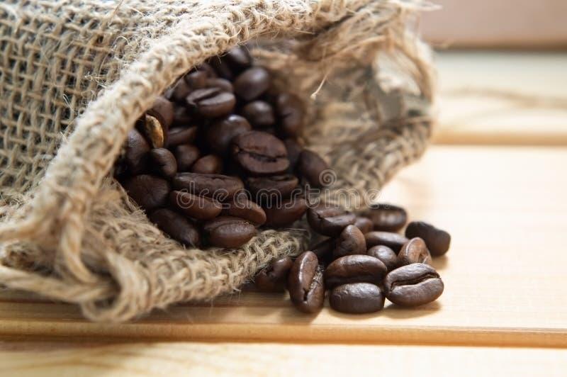 Sac de grains de café images libres de droits