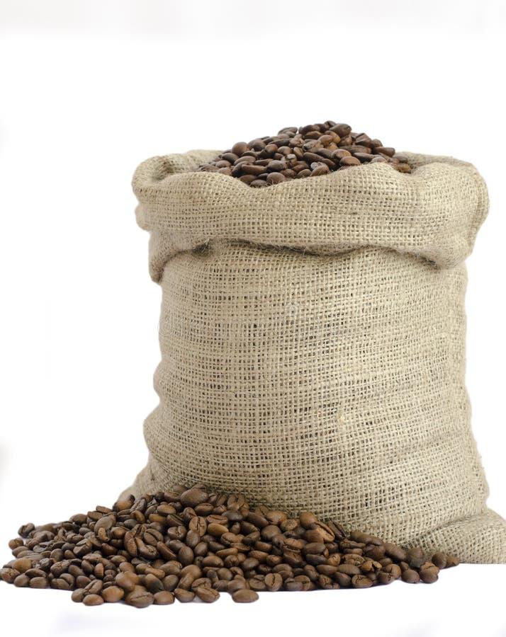 Sac des grains de café images stock