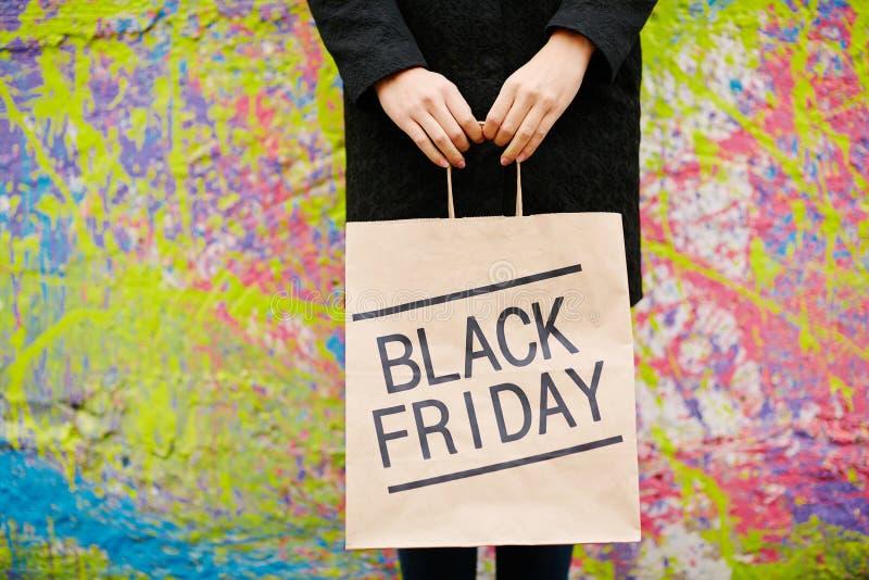 Sac en papier de Black Friday image libre de droits