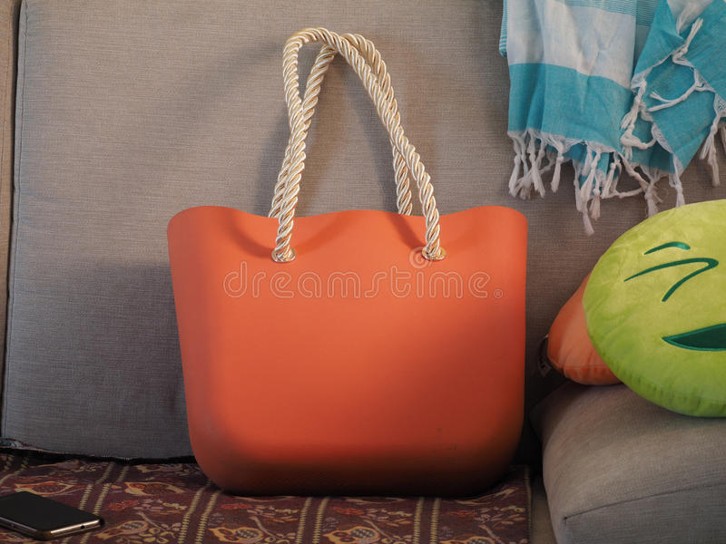 Sac orange photographie stock libre de droits