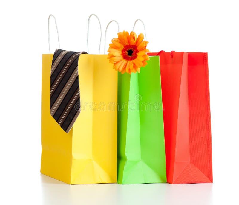 Sacchetti di acquisto con gli acquisti per la famiglia fotografie stock