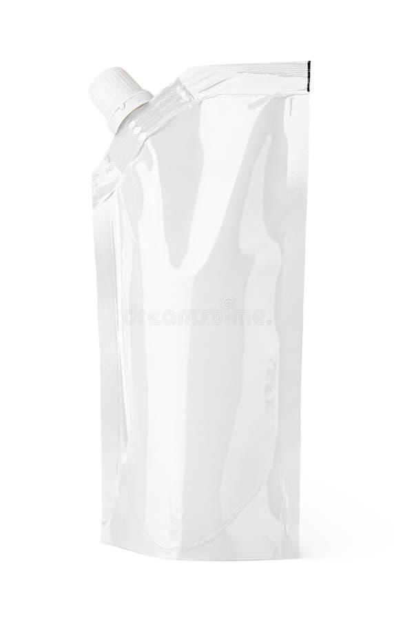 Sacchetto in bianco bianco del becco con il cappuccio o il pacchetto doy immagine stock