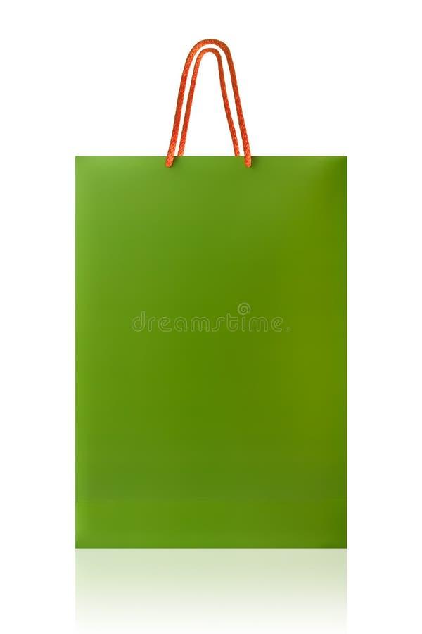 Sacchetto della spesa verde, isolato con il percorso di ritaglio sul backgro bianco fotografia stock libera da diritti