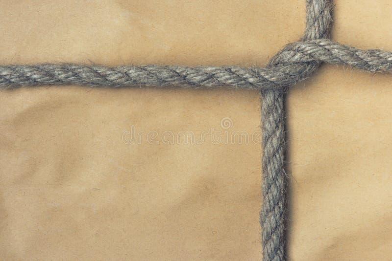 Sacco di carta legato con una corda immagini stock libere da diritti