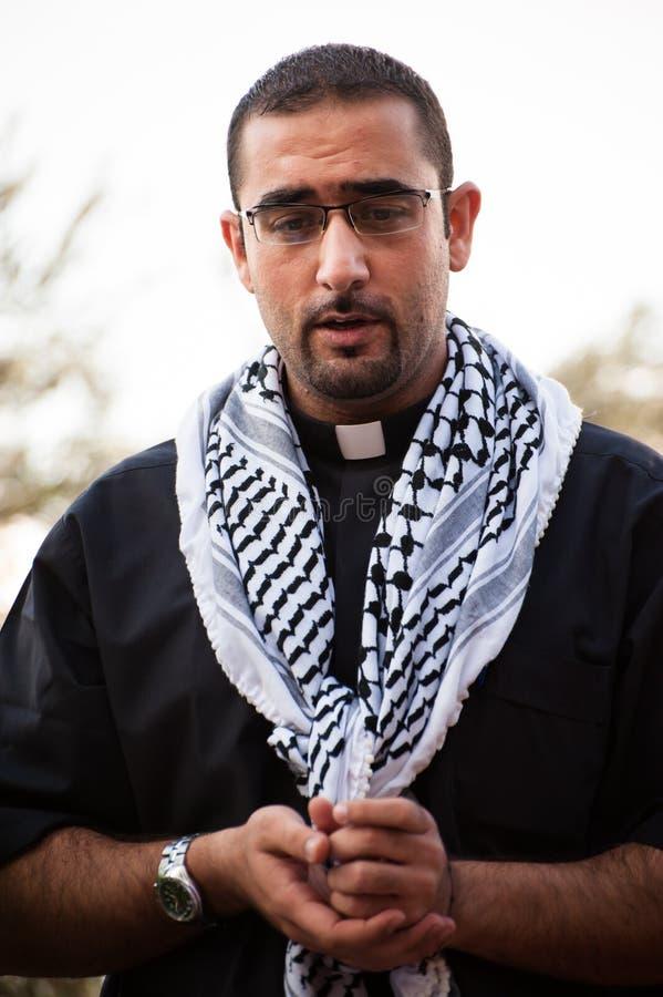 Sacerdote cristiano palestinese immagini stock libere da diritti