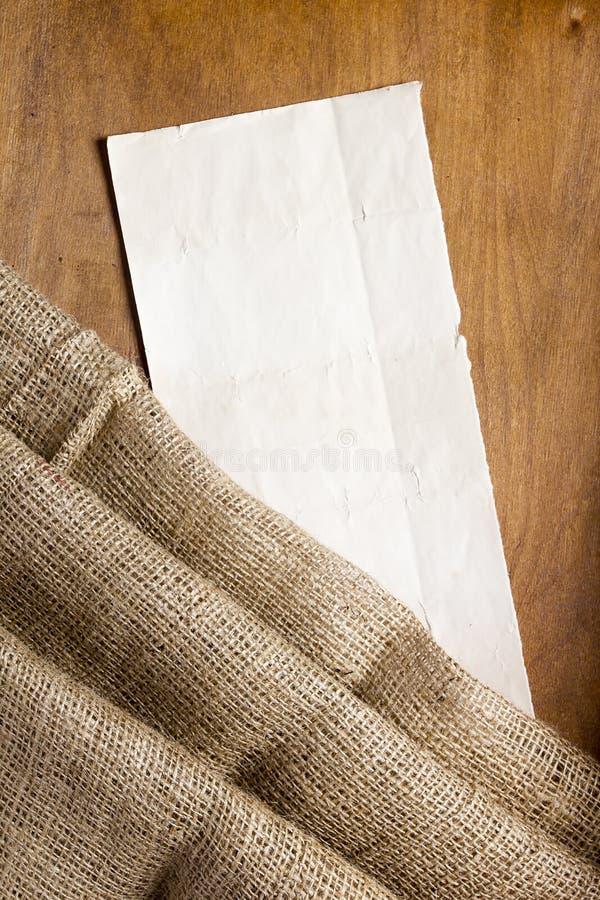 Sackcloth και χαρτονιού ετικέττα στοκ εικόνες