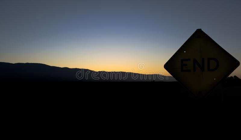 Sackgasse des Sonnenuntergangs in Soledad California stockbild