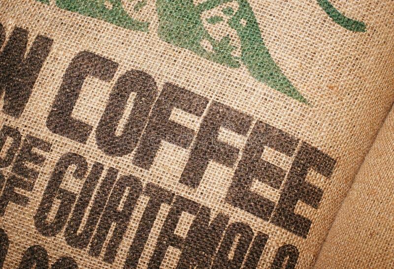 Saco da juta dos feijões de café foto de stock royalty free
