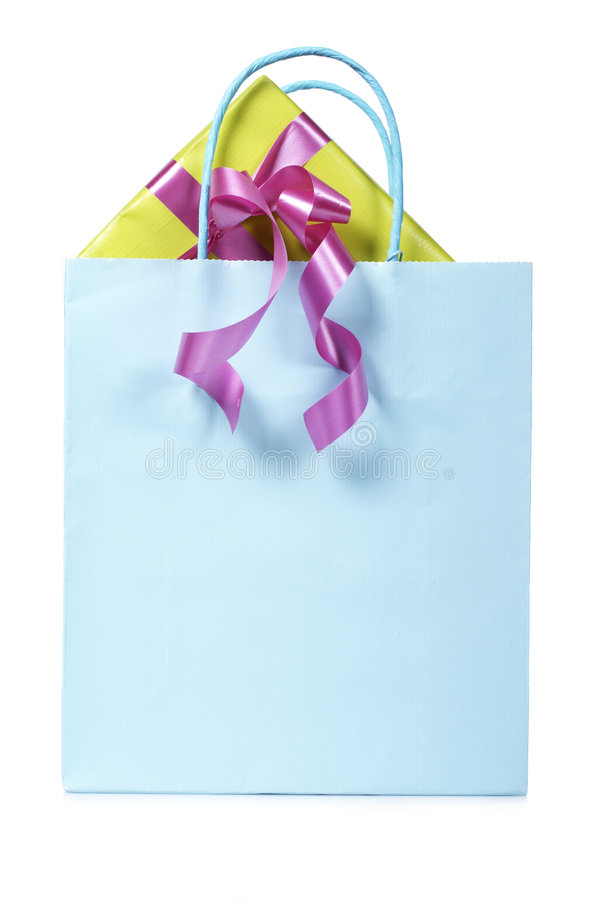 Saco de compra com presentes para dentro fotografia de stock royalty free