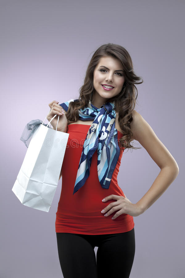 Saco de compra feliz do retrato da mulher imagens de stock royalty free