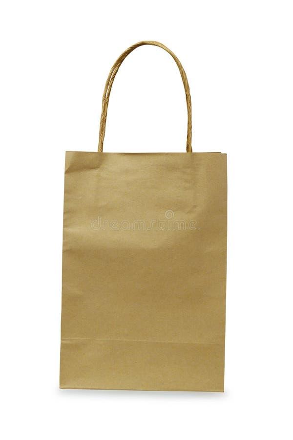 Saco de compras reciclado do papel isolado no fundo branco com trajeto de grampeamento fotografia de stock