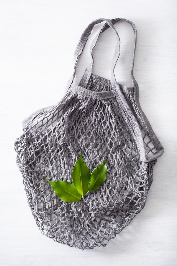 Saco de compras reusável do algodão da malha, conceito zero livre plástico do desperdício fotos de stock royalty free