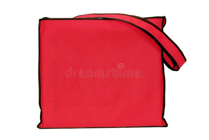 Saco de compras vermelho vazio grande isolado no branco com espaço da cópia foto de stock