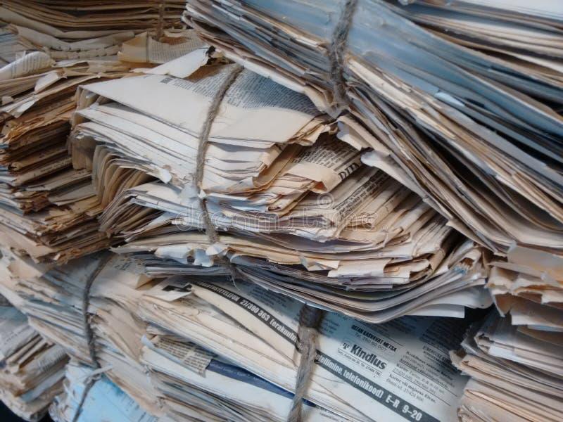 Saco de papel velho da notícia foto de stock