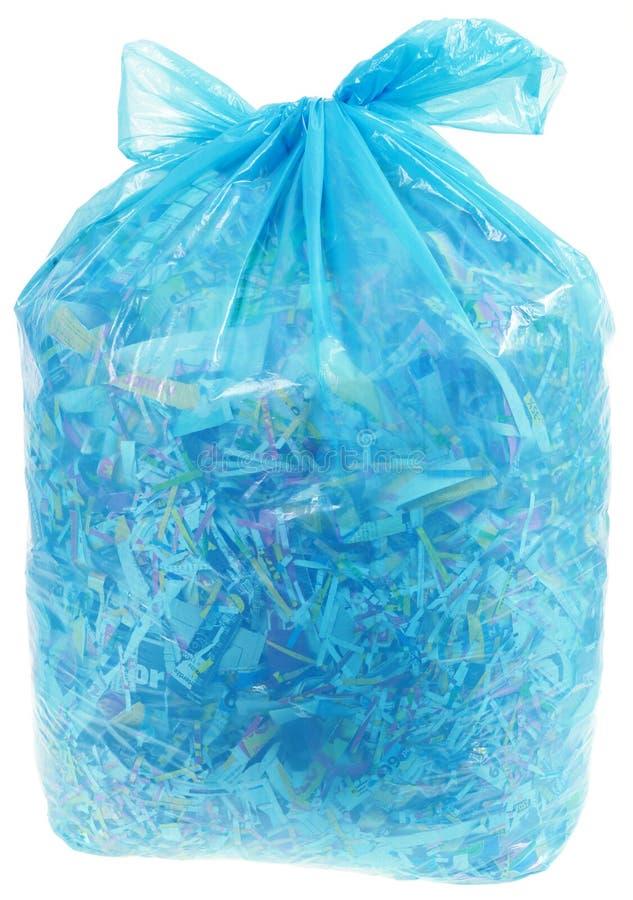 Saco de plástico transparente com Shreddings de papel imagens de stock