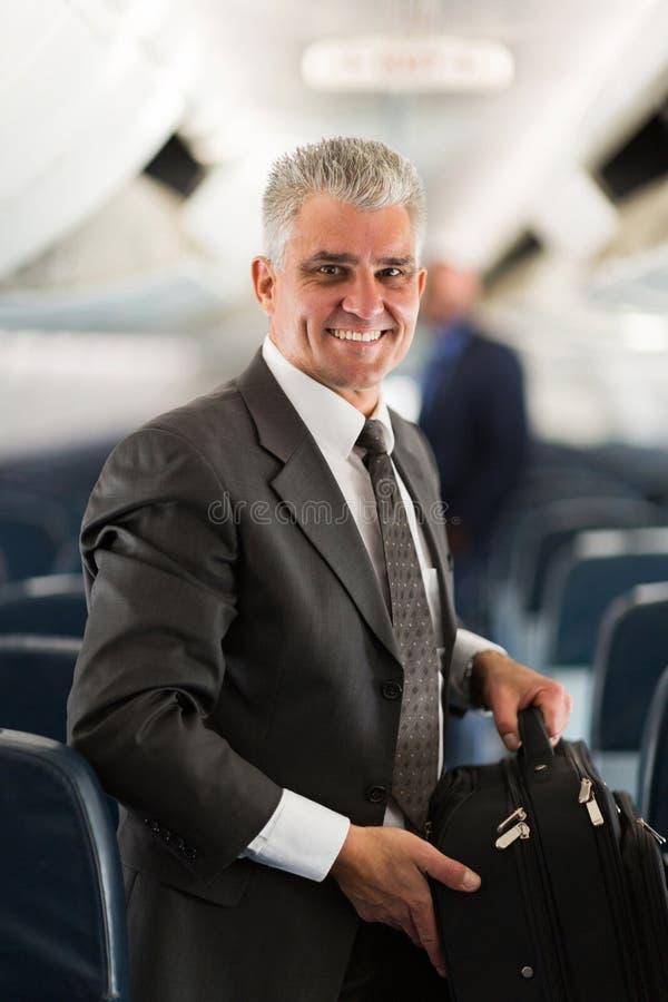 Saco levando do homem de negócios foto de stock royalty free