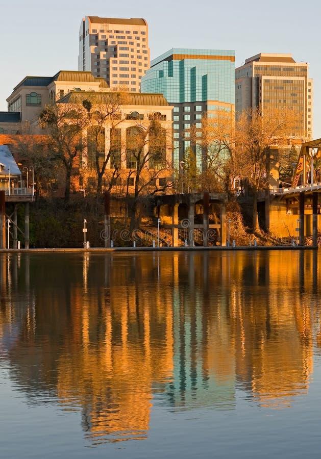 Sacramento au coucher du soleil image stock