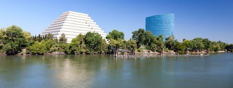SACRAMENTO, CALIFORNIA/USA - 5 AUGUSTUS: Nieuw bureaublok in Sacr stock fotografie