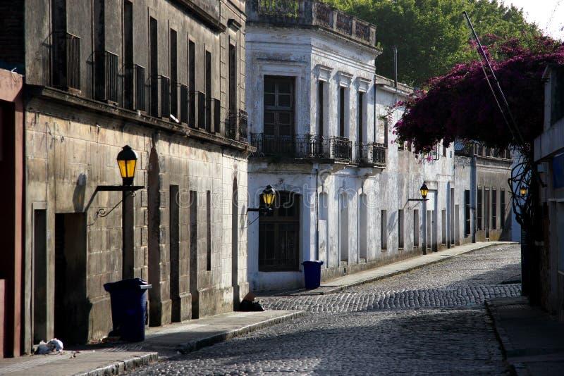 sacramento för fjärdedel för stadscoloniadel historisk gata uruguay arkivbilder