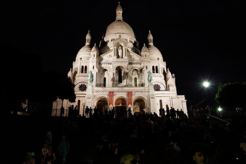 Sacre-Coeur auf dem Hügel stockbild