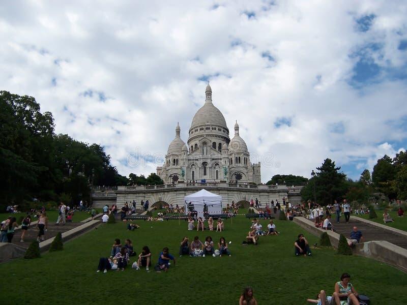 Sacre Coeur bazylika w letnim dniu Wielka ?redniowieczna katedra Sierpie? 05, 2009, Pary?, Francja, Europa obrazy stock