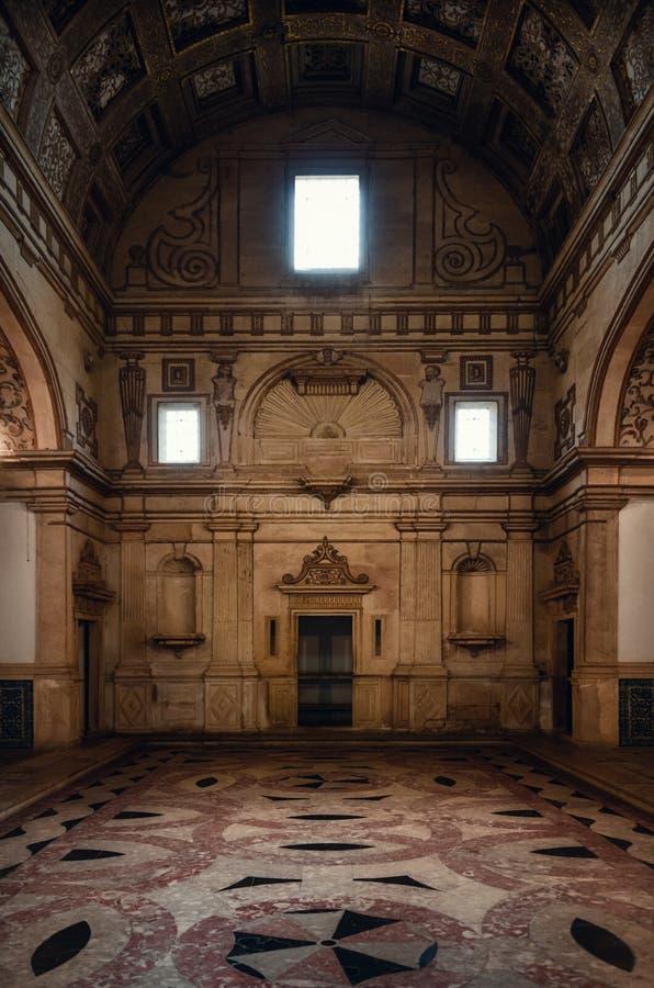 A sacristia do renascimento do estilo do manueline do convento de christ, da fortaleza templar antiga e do monastério em Tomar, P imagens de stock royalty free