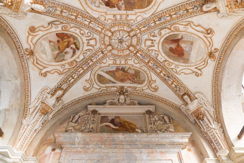 Sacro Monte de Varese Santa Maria del Monte, Itália Século XVII velho do fresco fotografia de stock