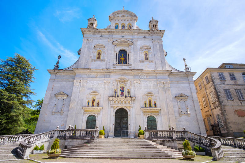 Sacro Monte di Varallo abbotskloster, Vercelli landskap, Piedmont Italien royaltyfri bild