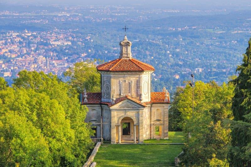 Sacro Monte di Varese, l'acceptation de Mary, quatorzième chapelle image stock