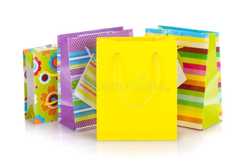 Sacs colorés de cadeau photos stock