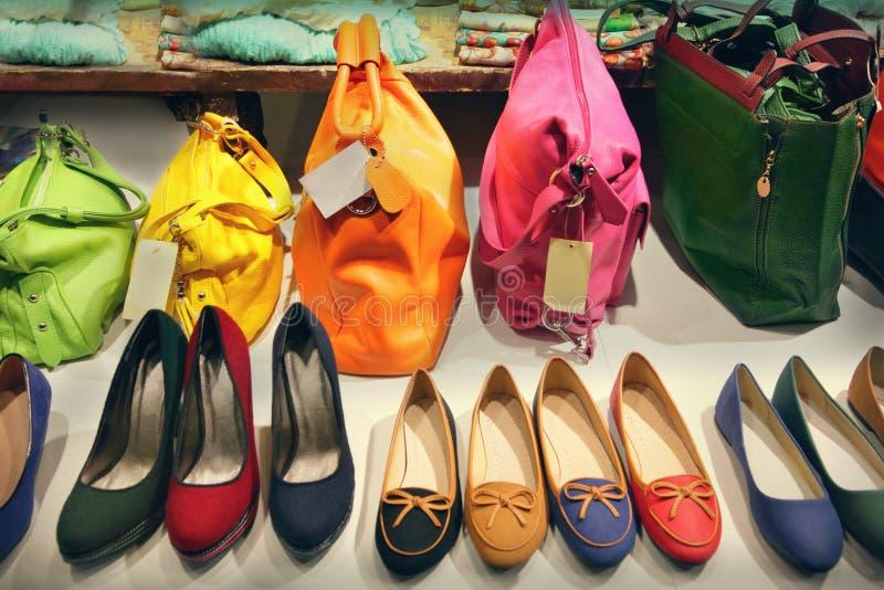 Sacs et chaussures photographie stock libre de droits