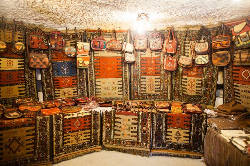 Sacs et tapis fabriqués à la main images libres de droits