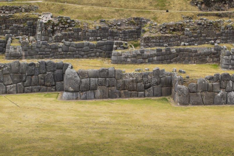 Sacsayhuaman墙壁的石制品,在库斯科,秘鲁 免版税库存照片
