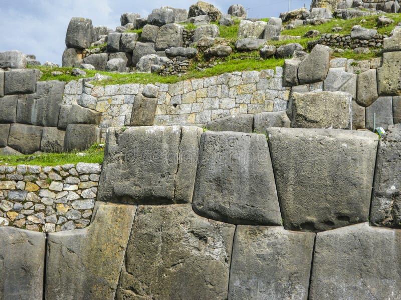 Sacsayhuaman, руины Incas в перуанских Андах на Cuzco Перу стоковые фотографии rf