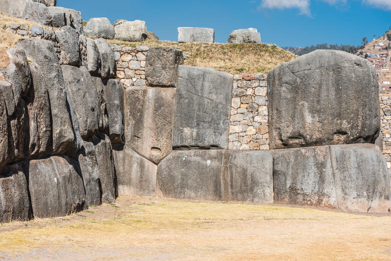 Sacsayhuaman fördärvar peruanen Anderna Cuzco Peru arkivbild