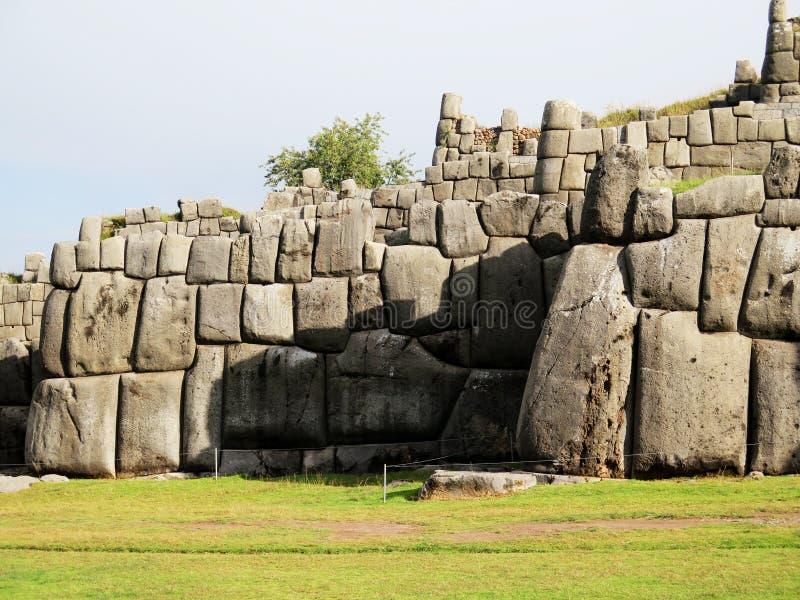 Sacsayhuaman, ruines d'Inca dans les Andes péruviens photographie stock