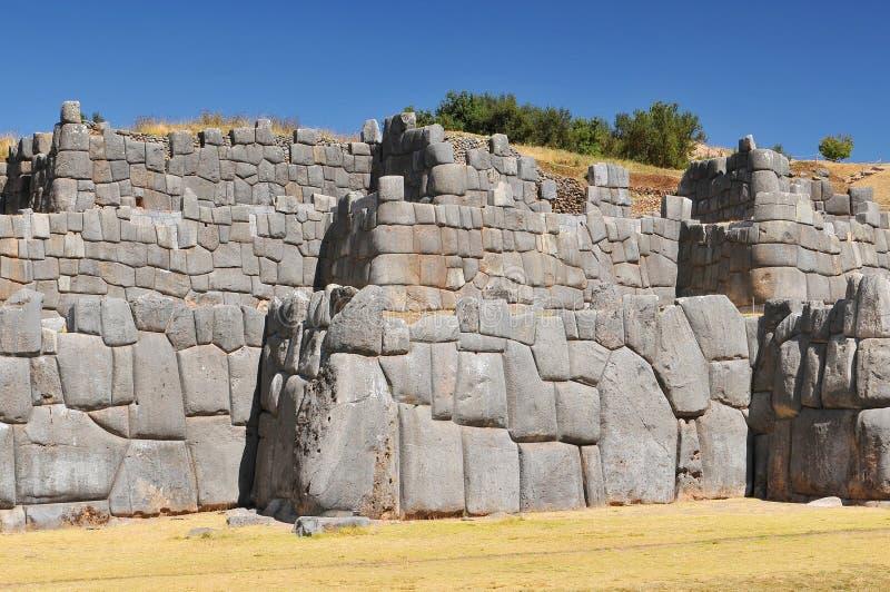 Sacsayhuaman uma citadela nos subúrbios do norte da cidade de Cusco no Peru imagem de stock royalty free