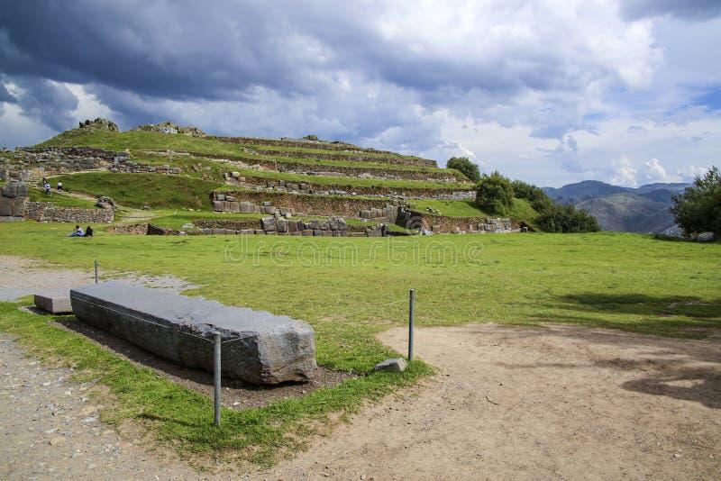 Sacsayhuaman väggar, forntida incafästning nära Cuzco arkivbild