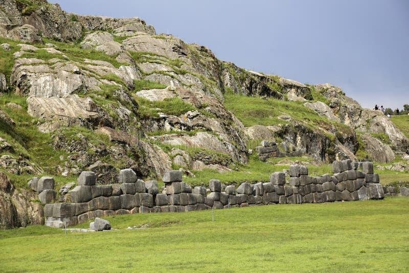 Sacsayhuaman väggar, forntida incafästning nära Cuzco royaltyfri foto