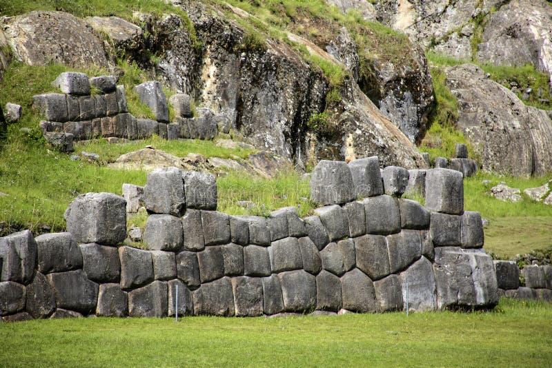 Sacsayhuaman väggar, forntida incafästning nära Cuzco royaltyfria bilder