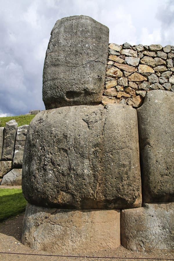 Sacsayhuaman väggar, forntida incafästning nära Cuzco, Peru arkivfoto