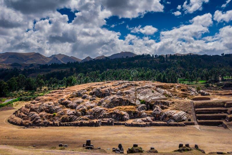 Sacsayhuamanru?nes in Cusco, Peru Een monumentaal die complex van steengebouwen door Incas wordt gemaakt royalty-vrije stock afbeeldingen