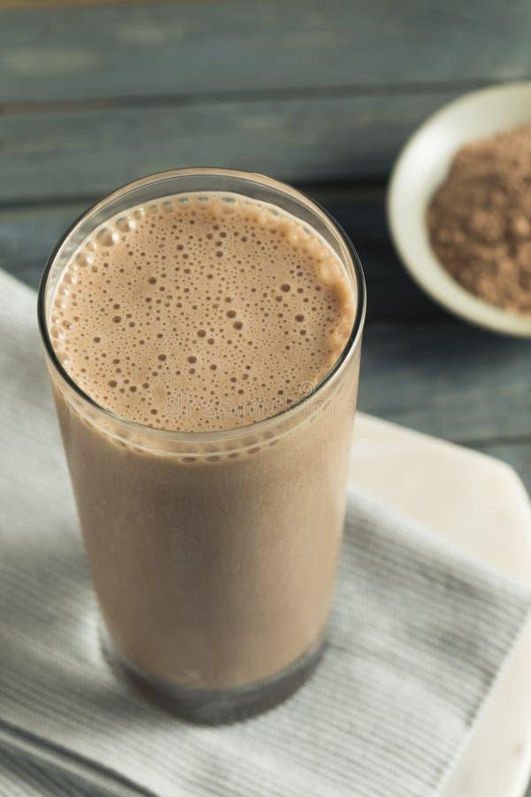 Sacudida hecha en casa sana de la proteína del chocolate fotografía de archivo