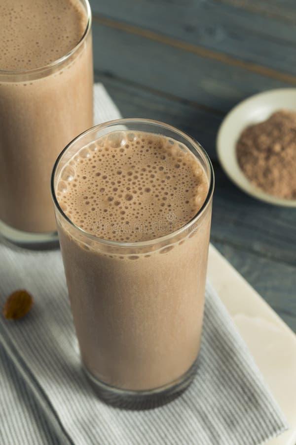 Sacudida hecha en casa sana de la proteína del chocolate fotos de archivo